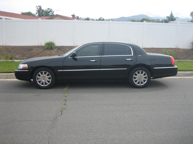Black Town Car Limousine Service by Coachman Enterprises Limo Service
